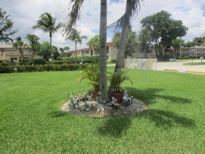 West Palm Beach Condo For Sale: 271 Chatham