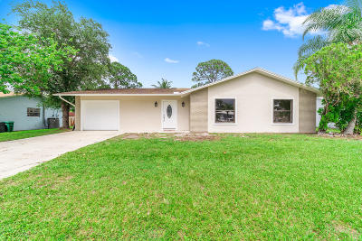 Port Saint Lucie Single Family Home For Sale: 837 SE Preston Lane