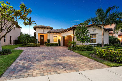 Jupiter Single Family Home For Sale: 127 Behring Way