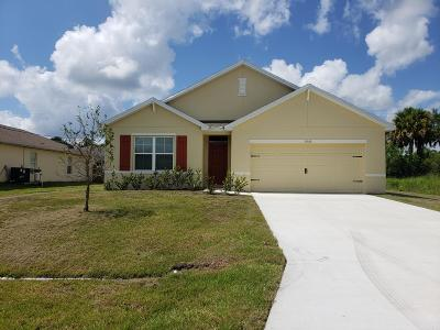 Port Saint Lucie Single Family Home For Sale: 1050 SW Dartmouth Avenue