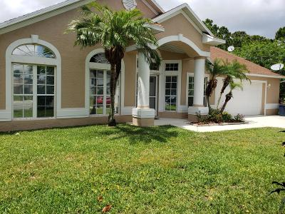 Port Saint Lucie Single Family Home For Sale: 181 SW Pisces Terrace
