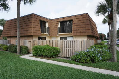 West Palm Beach Townhouse For Sale: 102 Heritage Way