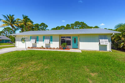 Martin County Single Family Home For Sale: 6550 SE Vista Avenue