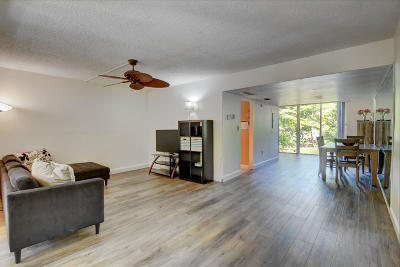 Broward County Condo For Sale: 8401 W Sample Road #17