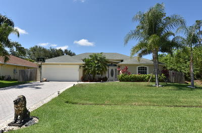 Port Saint Lucie Single Family Home For Sale: 1249 SW Malaga Avenue