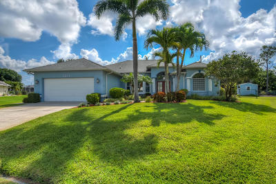 Port Saint Lucie Single Family Home For Sale: 3276 SE Hub Court