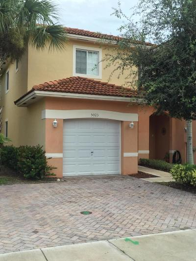 Martin County Townhouse For Sale: 5023 SE Mariner Garden Circle #44