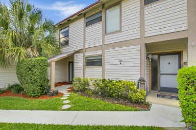 Jupiter Condo For Sale: 102 Sherwood Circle #21b