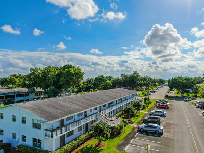 Coral Springs, Parkland, Coconut Creek, Deerfield Beach,  Boca Raton , Margate, Tamarac, Pompano Beach Rental For Rent: 52 Newport C #52