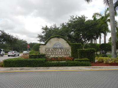 Royal Palm Beach Condo For Sale: 800 S Crestwood Court #807