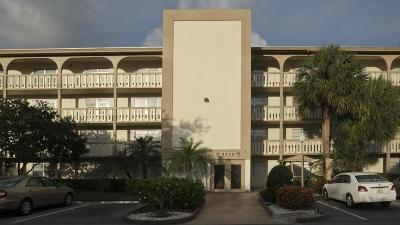 Coconut Creek Condo For Sale: 2302 Lucaya Lane #B3