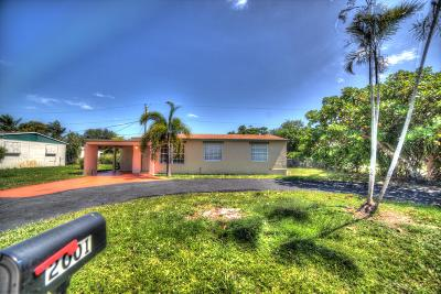 West Palm Beach Single Family Home For Sale: 2001 Kenwood Road