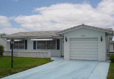 Boynton Beach Single Family Home For Sale: 1910 SW 18th Street
