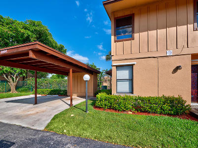 Coral Springs Townhouse For Sale: 9980 Royal Palm Boulevard