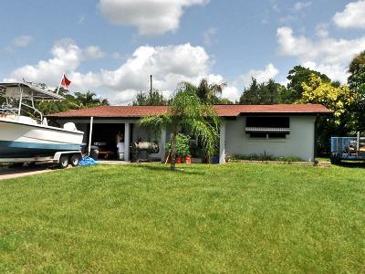 Port Saint Lucie Single Family Home For Sale: 621 Beach Avenue