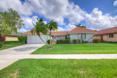 Boynton Beach Single Family Home For Sale: 10484 Greentrail Drive