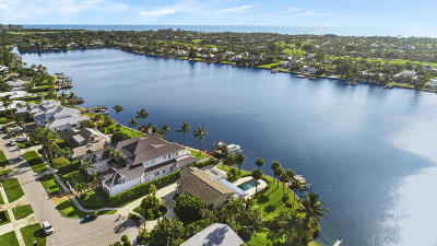 North Palm Beach Single Family Home For Sale: 11670 Lake Shore Place