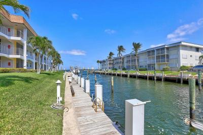 North Palm Beach Condo For Sale: 110 Shore Court #305