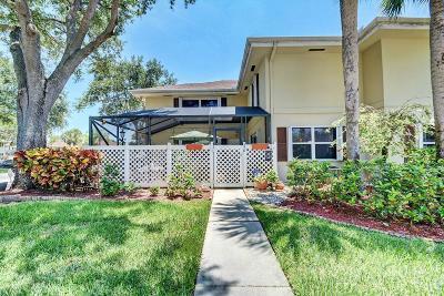 Royal Palm Beach Townhouse For Sale: 37 Danbury #D