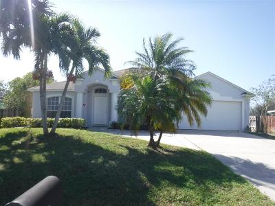 Port Saint Lucie Single Family Home For Sale: 534 SE Thanksgiving Avenue