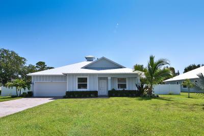 Hobe Sound Single Family Home Contingent: 8524 SE Pinehaven Avenue
