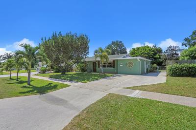 North Palm Beach Single Family Home Pending: 913 Eucalyptus Road
