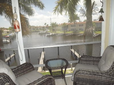 Martin County, St. Lucie County Condo For Sale: 2600 S Kanner Highway #11