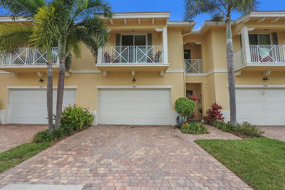 Palm Beach Gardens Townhouse For Sale: 7213 Oxford Court