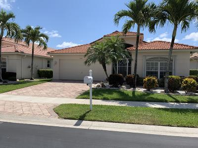 Boynton Beach Single Family Home For Sale: 5941 Royal Club Drive