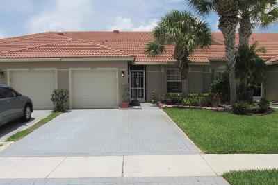 Boynton Beach Single Family Home For Sale: 8423 Logia Circle