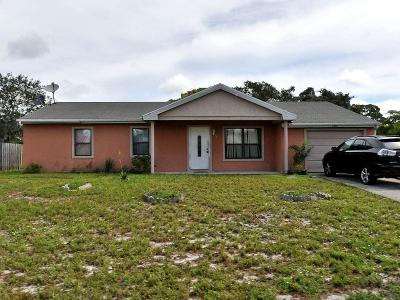 Port Saint Lucie Single Family Home For Sale: 1349 SE Roannoke Street