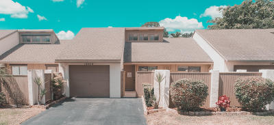 Wellington Townhouse Contingent: 12618 Shady Pines Court