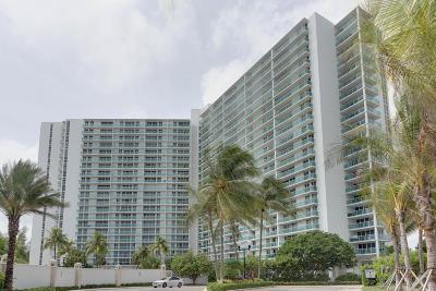 Miami-Dade County Condo For Sale: 100 Bayview Drive #1611