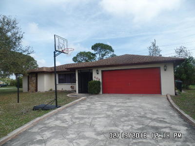 Single Family Home For Sale: 405 SE SEabreeze Lane