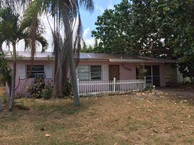Jensen Beach Single Family Home For Sale: 3042 NE Savannah Road