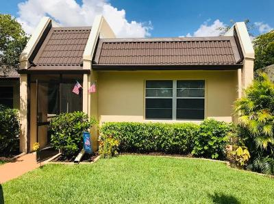 West Palm Beach Single Family Home For Sale: 105 Lake Terry Drive
