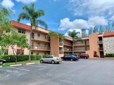 Margate Condo For Sale: 3040 Holiday Springs Boulevard #211