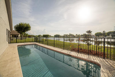 Boynton Beach Single Family Home For Sale: 8610 Tourmaline Boulevard