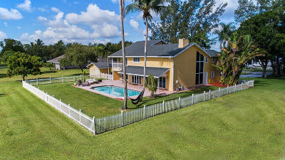Boynton Beach Single Family Home For Sale: 10400 W Tara Boulevard