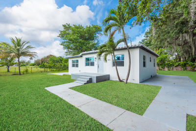 Miami Single Family Home For Sale: 1895 NW 112 Terrace