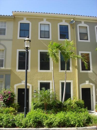 West Palm Beach Townhouse For Sale: 675 Hibiscus Street