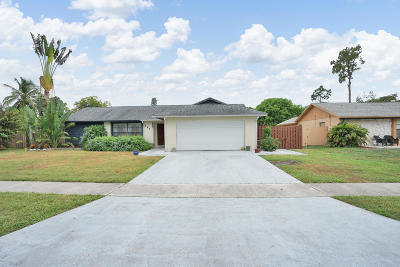 Royal Palm Beach Single Family Home Contingent: 154 Parkwood Drive