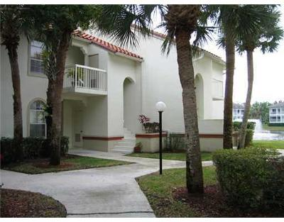 Palm Beach Gardens Condo For Sale: 220 Cypress Point Drive