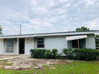 Port Saint Lucie Single Family Home For Sale: 137 SE Placita Court