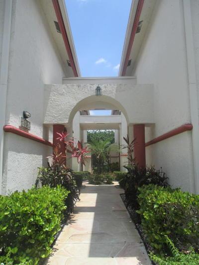 Boynton Beach Condo For Sale: 5139 Floria Way #P