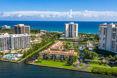Palm Beach County Townhouse For Sale: 4401 Ocean Boulevard #14
