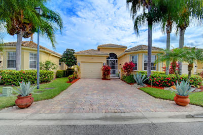 Delray Beach Single Family Home For Sale: 7108 Cataluna Circle