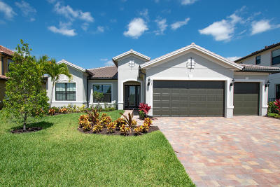 Jupiter Single Family Home For Sale: 113 Blanca Isles Lane