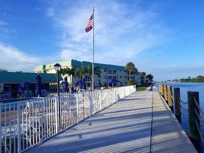 Boynton Beach Condo For Sale: 33 Colonial Club Drive #103