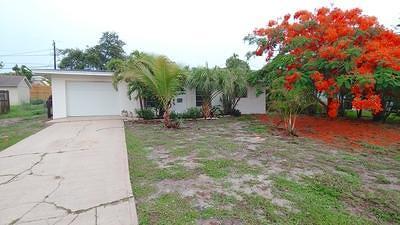Jensen Beach Single Family Home For Sale: 4201 NE Cheri Drive